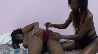 Pregnant ebony pussy filled with