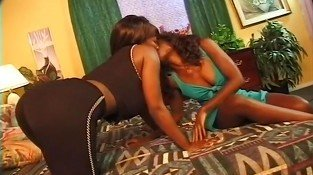 Lusty Black Lesbos Try Double Ended